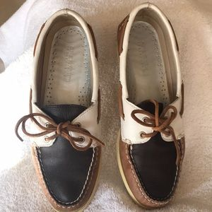 Sperry Top-Siders!!